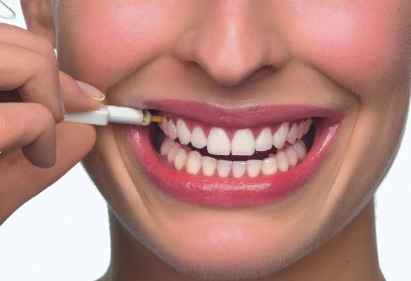 Dói para colocar os implantes dentários?