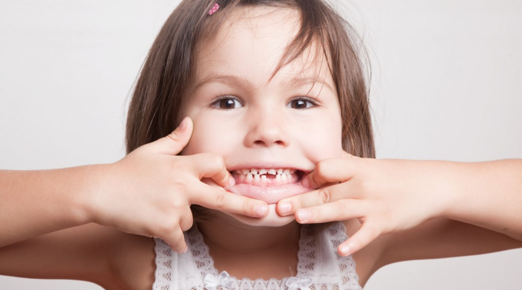 quando a criança deve ir ao dentista