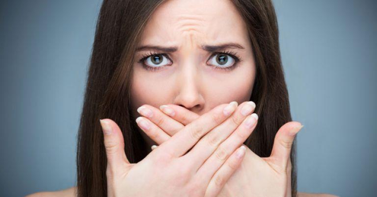Atitudes que prejudicam a Saúde dos Dentes