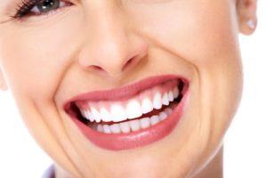 Saiba tudo sobre lentes de contato dental