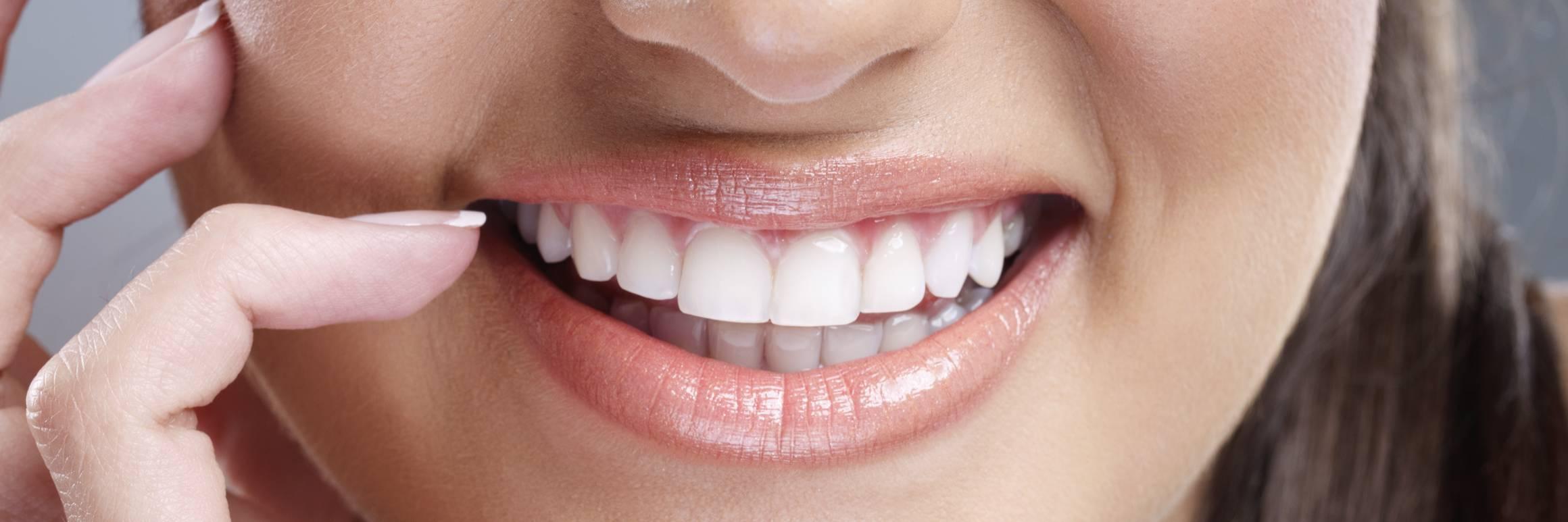 Em quais ocasiões são usados implantes dentários?